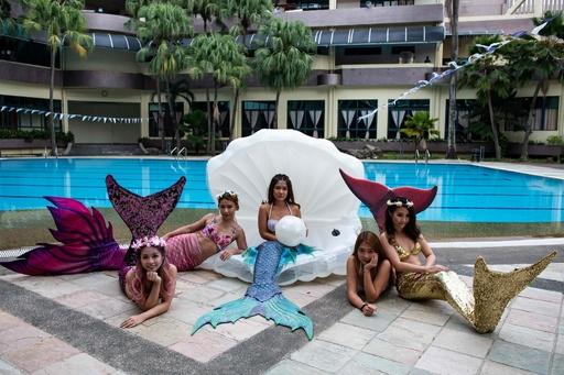 あなたも人魚姫になれる! マレーシアで人気のスイミングスクール