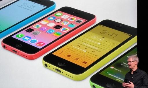 「廉価版」iPhone5C、中国市場で約7万円 高過ぎと不満