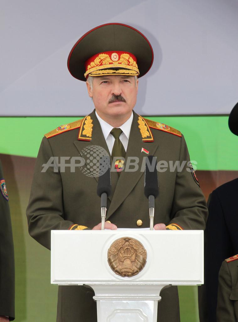 「同性愛者より独裁者のほうがまし」 ベラルーシ大統領、独外相らを非難