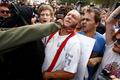 米フロリダ大で白人至上主義者が演説会、猛抗議で中止