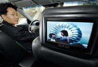 テレビ見ながらタクシー運転はOK、ソウル行政裁