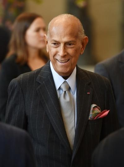 オスカー・デラレンタ氏、82歳で死去 米著名デザイナー