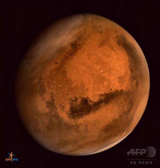 火星の地殻形成、地球より1億年早かった 研究