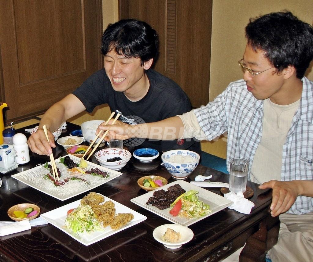 クジラ料理を堪能しよう、横浜の飲食店街に「くじら横町」