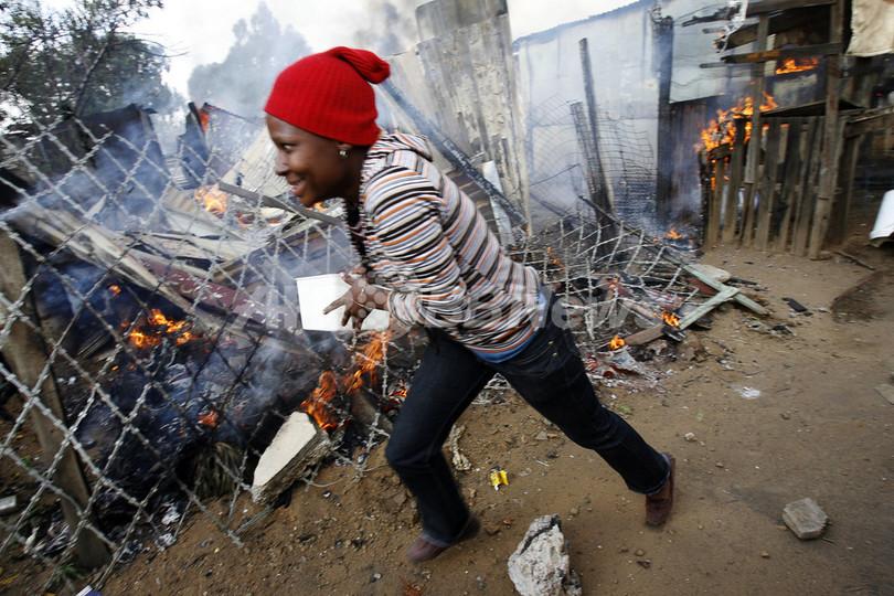 南アフリカの外国人襲撃、1万3000人が避難