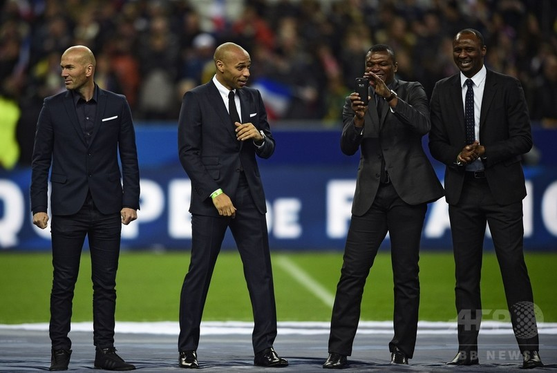 仏サッカー連盟、元代表ジダン氏らを表彰