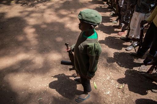 南スーダンで子ども兵士300人超解放 国連プログラム