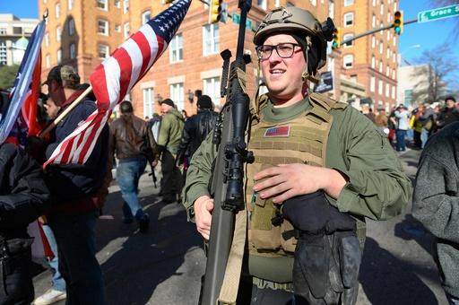 銃所持擁護派が大規模集会、周辺は厳重警戒 米バージニア州