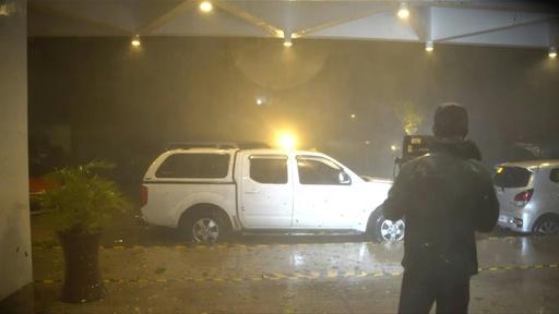 動画:台風28号、フィリピンに上陸 マニラの空港閉鎖