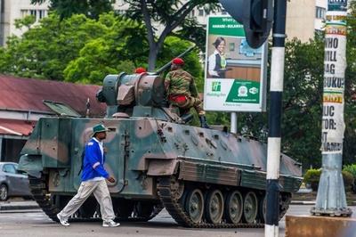 「ジンバブエ大統領は軟禁下」南ア大統領が声明