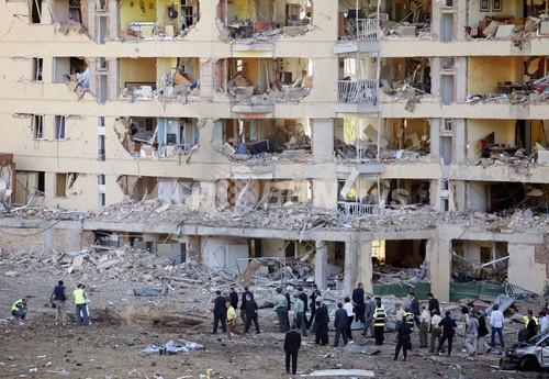 スペイン北部警察宿舎前爆発で64人負傷、ETAの犯行か