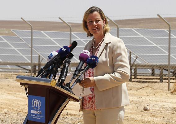 ヨルダンの難民キャンプに太陽光発電所