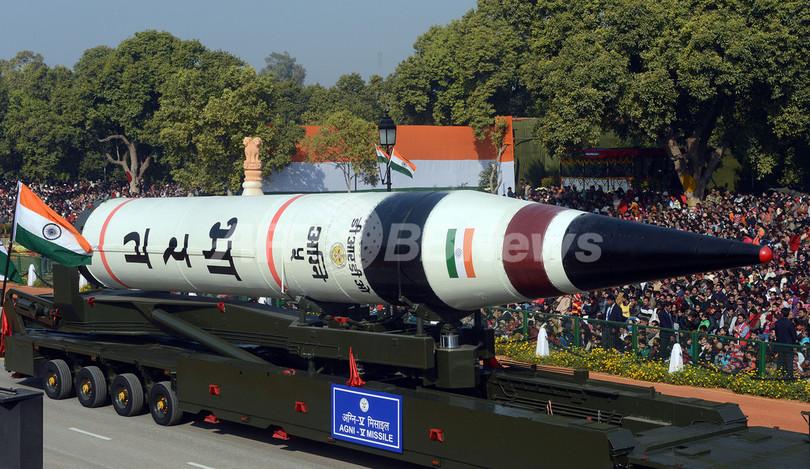 インド首都で軍事パレード、長距離ミサイル「アグニ5」初公開