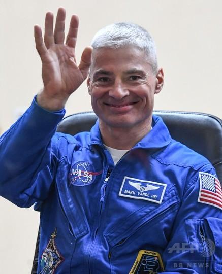 米飛行士ら3人乗せた宇宙船、ISSにドッキング 5か月滞在
