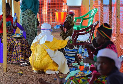 シエラレオネ、全世帯訪問でエボラ患者特定へ