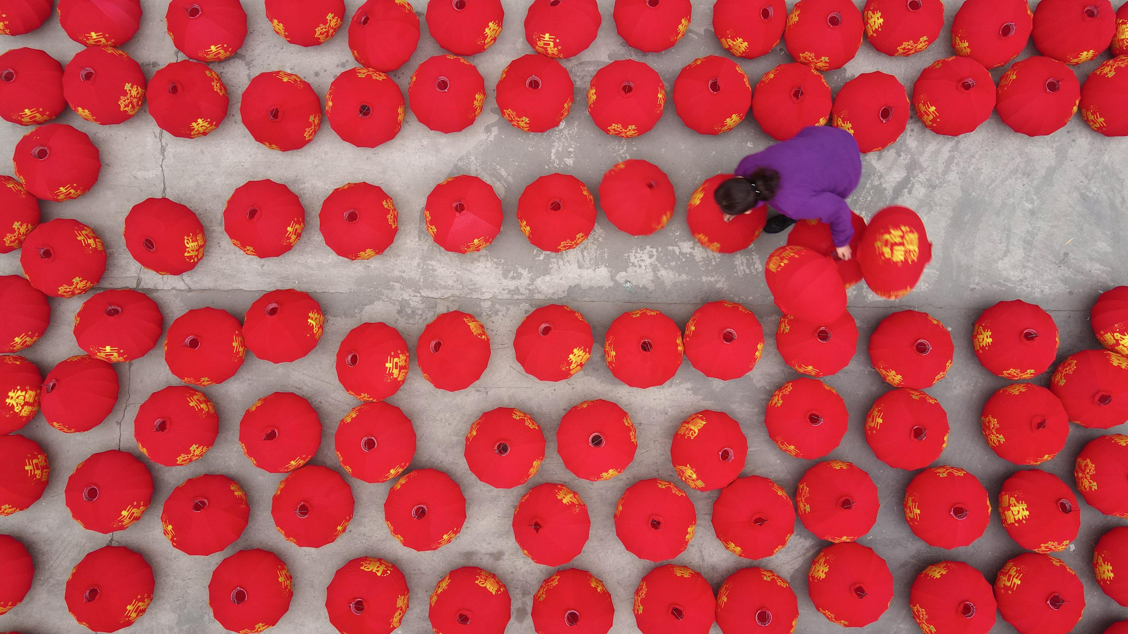 ちょうちんの製作がピークに 河北省沙河市