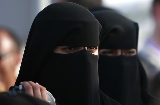 カタール、女性の兵役志願を認める 同国史上初