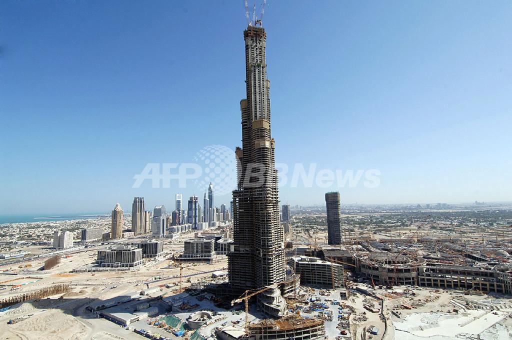 「ブルジュ・ドバイ」、「台北101」を抜いて世界一高いビルに