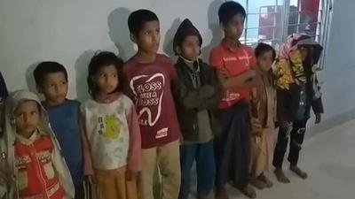 動画:ロヒンギャ33人を漁船から救出 バングラデシュ