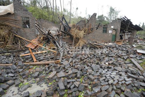 重慶で竜巻や雹伴う暴風雨、29人死亡