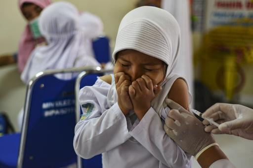 【今日の1枚】注射にドキドキ、子どもに予防接種