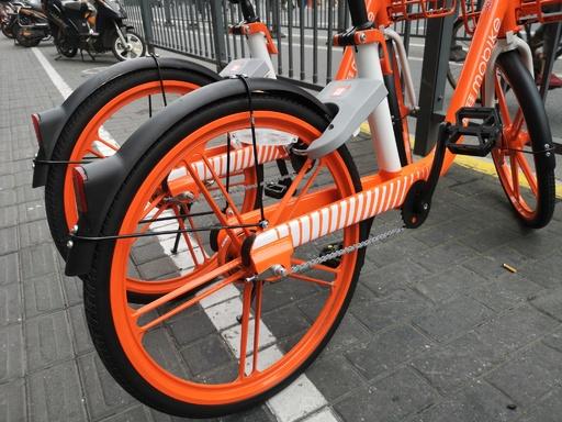 出前の使用済み容器、シェア自転車の部品に再利用
