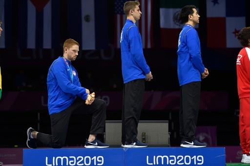 表彰式でトランプ氏に抗議、大陸選手権の米金メダリストに処分か