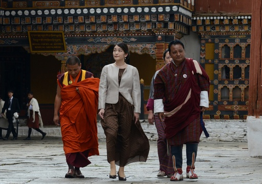 ブータン訪問中の眞子さま、田園地帯や僧院を訪問