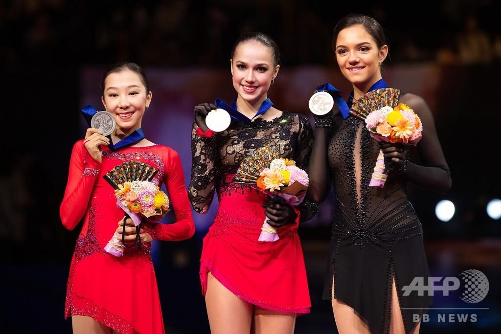 五輪女王ザギトワが世界フィギュア初制覇、日本勢はメダル逃す