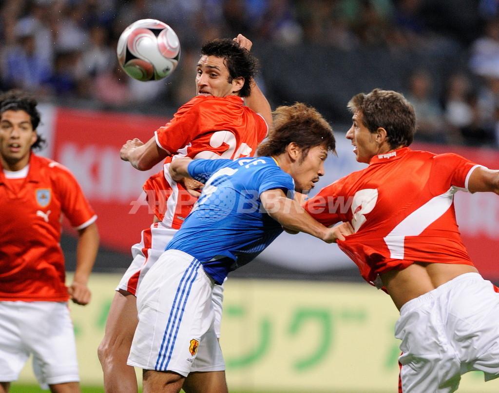 日本 親善試合でウルグアイに敗れる