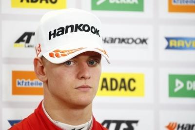 シューマッハ氏の19歳息子、F3で破竹の5連勝 年間順位も首位に