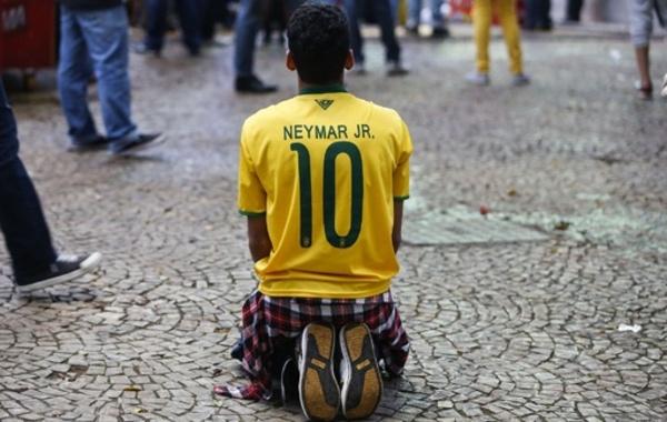 サッカー王国がサッカーを失った日