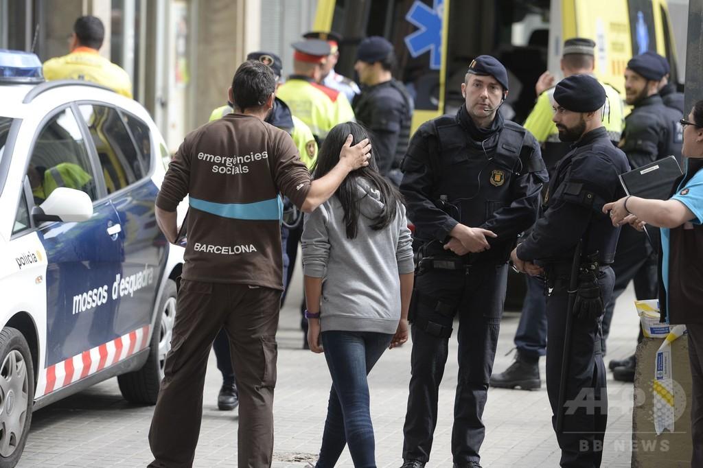 中学校で生徒が教師殺害、クロスボウと刃物で武装 スペイン