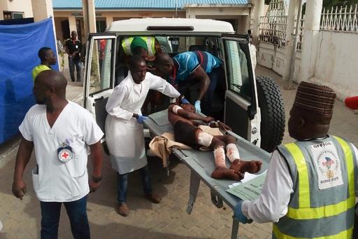 ナイジェリアで少女らによる自爆攻撃、ロケット弾も撃ち込まれ31人死亡
