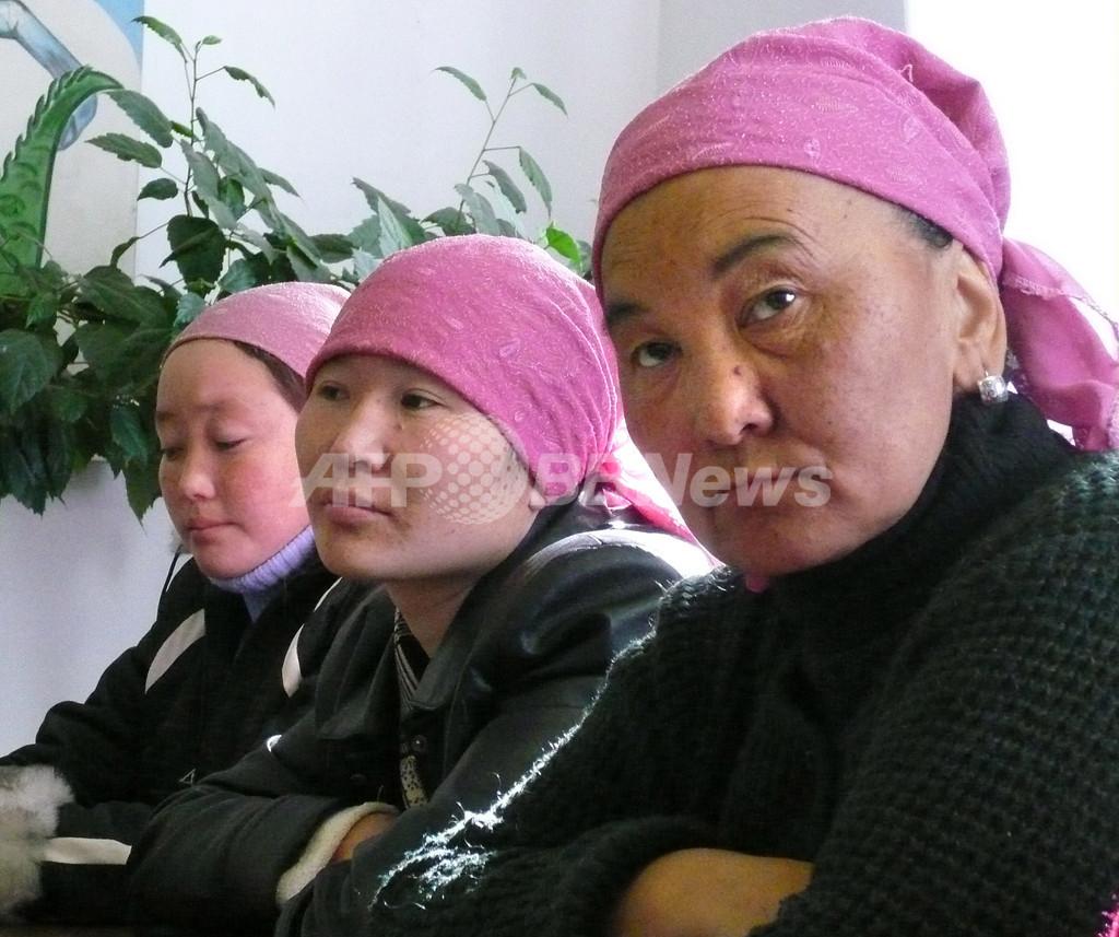 女子大生、今なお残る「誘拐婚」の風習の犠牲者に - キルギスタン
