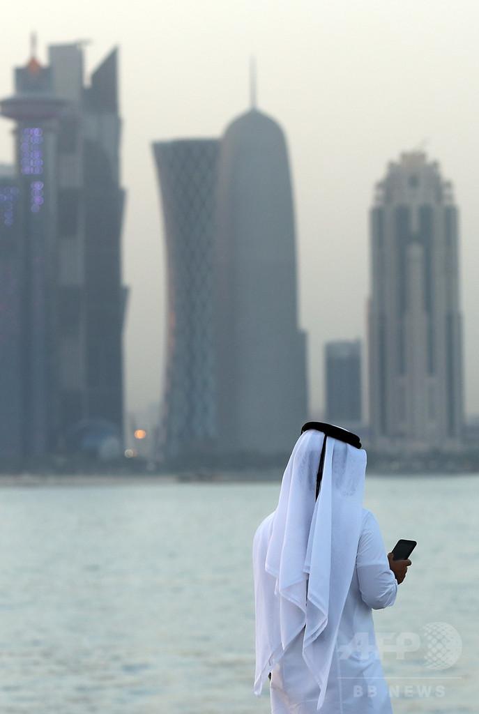 カタール、追加制裁を警告する「包囲4か国」に反論