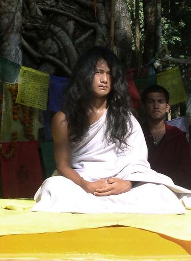 ブッダの生まれ変わりとされた宗教指導者、捜査対象に ネパール