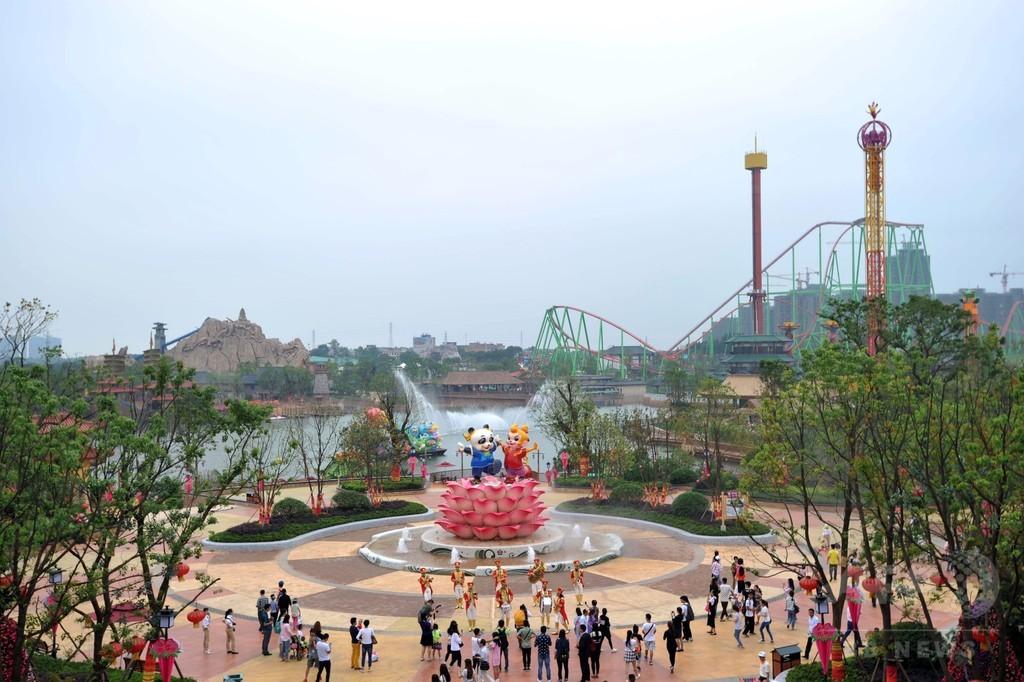 中国の新テーマパーク、関連施設にディズニーキャラ登場で弁明