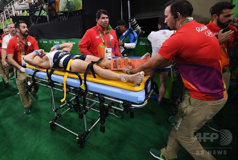 跳馬出場の仏選手が左脚2か所骨折の重傷、他選手もショック隠せず