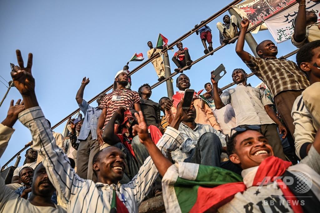 スーダン反政府デモ「100万人行進」呼び掛け 軍事評議会との緊張高まる