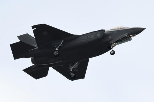 日本政府、F35を105機購入の意向 トランプ氏が共同記者会見で発表