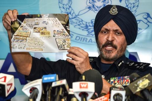 マレーシア前首相関係先の押収品、最大300億円相当 警察発表