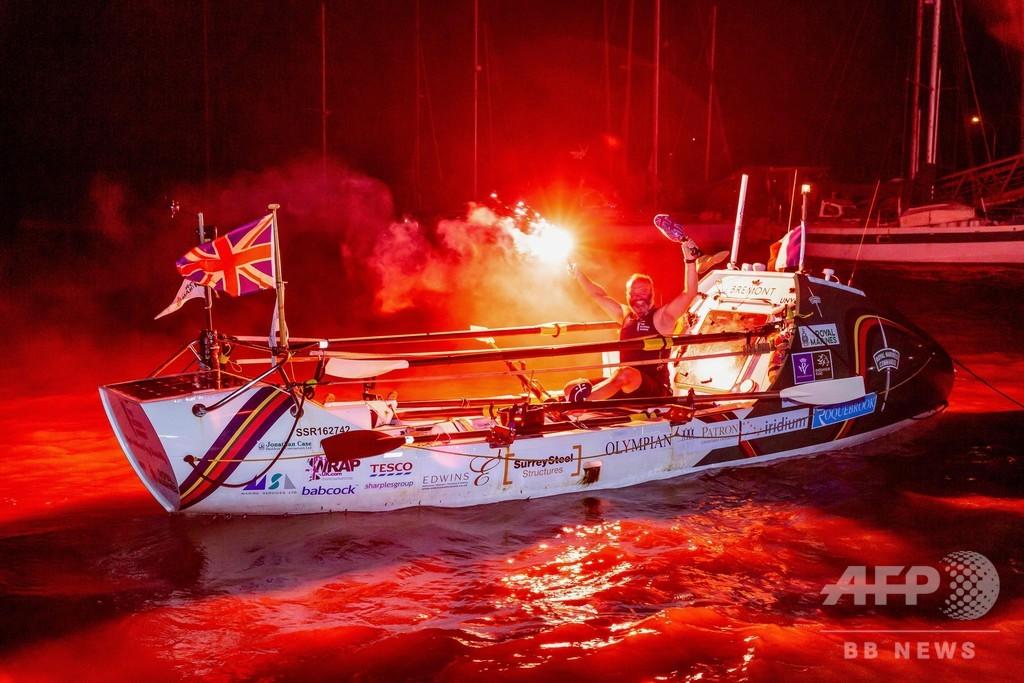 義足の英元海兵隊員、ボートで大西洋単独横断 健常者の記録破る