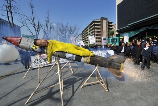 北朝鮮、「衛星」打ち上げ断行の構え
