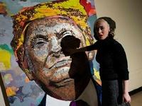 硬貨でトランプ大統領の肖像画、ウクライナ人アーティスト
