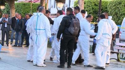 動画:チュニジア首都で女が自爆、20人負傷 襲撃発生は3年ぶり