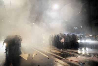 ブルガリア、内閣総辞職 電気料金急騰に抗議するデモが拡大