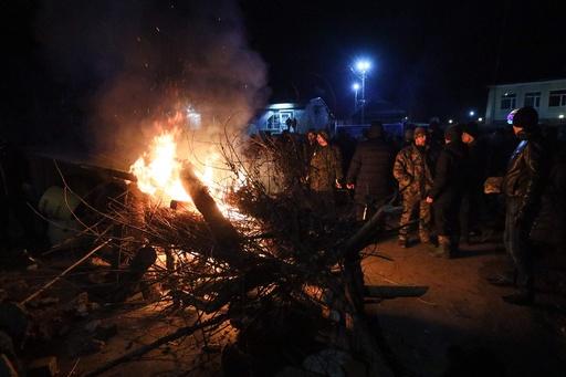 ウクライナ保健相、中国退避者との隔離生活を宣言 住民の反対受け