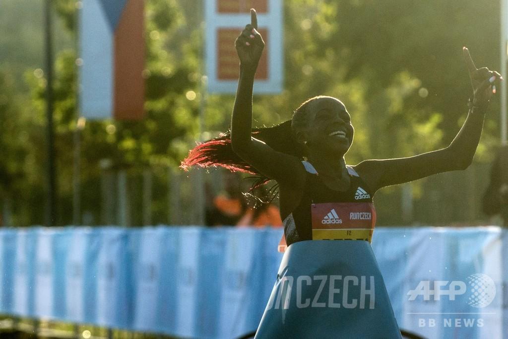 ジェプチルチル、女子単独ハーフマラソンで世界新記録樹立