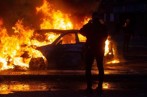 チリ暴動の死者7人に、北部と南部の数都市にも非常事態宣言